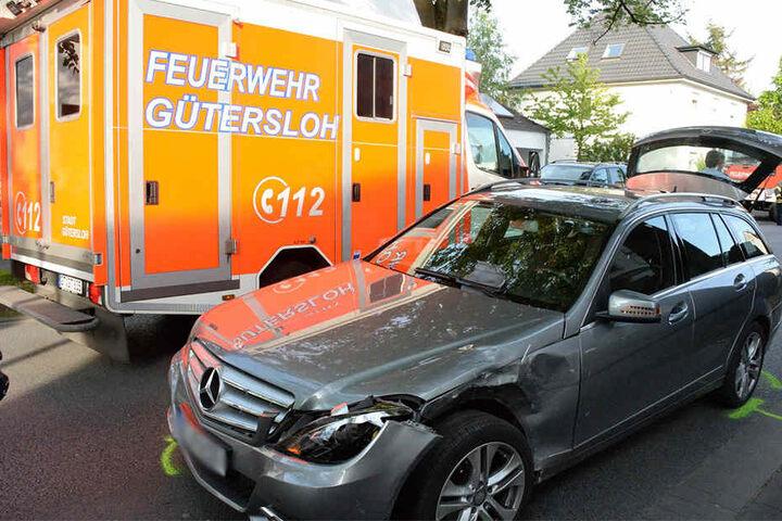 Der Mercedes war nicht so stark beschädigt wie das andere Auto.