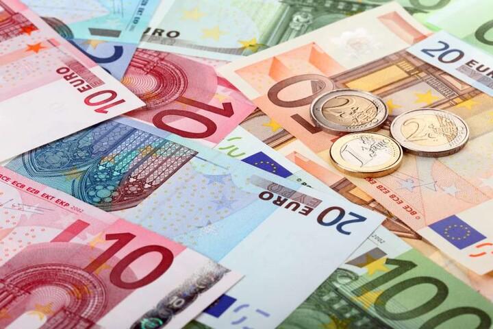 Der Mann hat 6,8 Millionen Euro veruntreut. (Symbolbild)