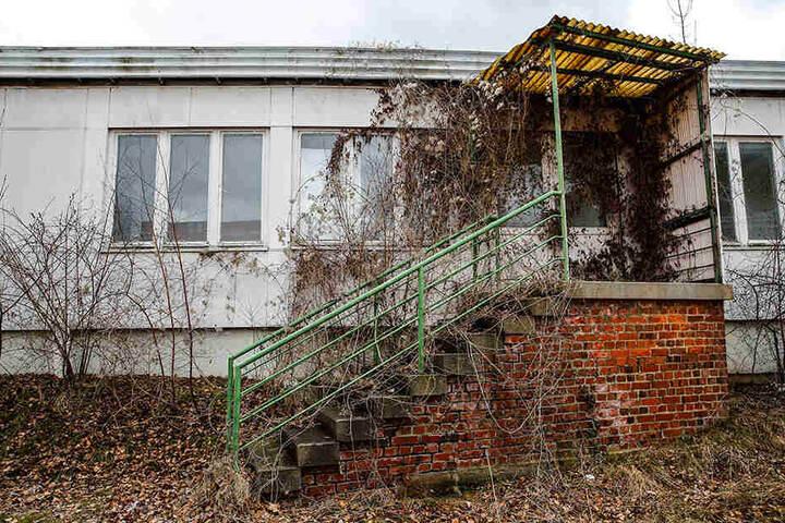 Im ehemaligen Gebäude des DRK Ortsverbandes Cossebaude sollen die Taten passiert sein.