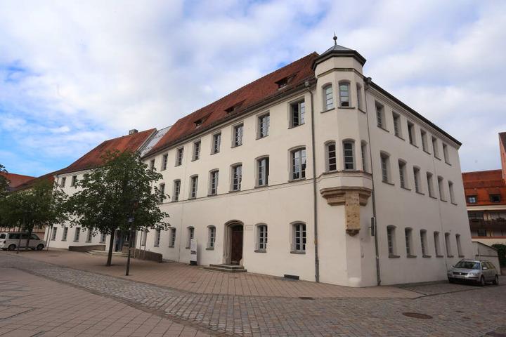 Der Prozess um die Vergewaltigung der Spaziergängerinnen findet am Landgericht Memmingen statt.