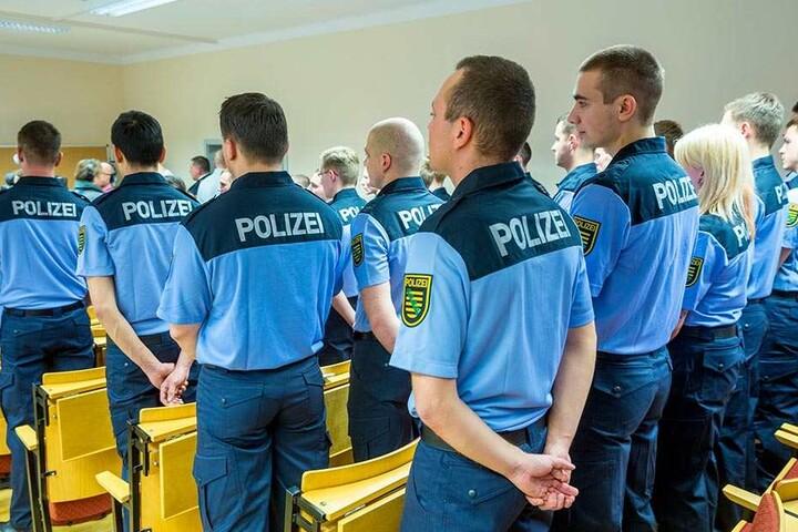Auszubildende zur Wachpolizei. 185 Abgänger beginnen am Mittwoch die Ausbildung zum Polizeimeister.