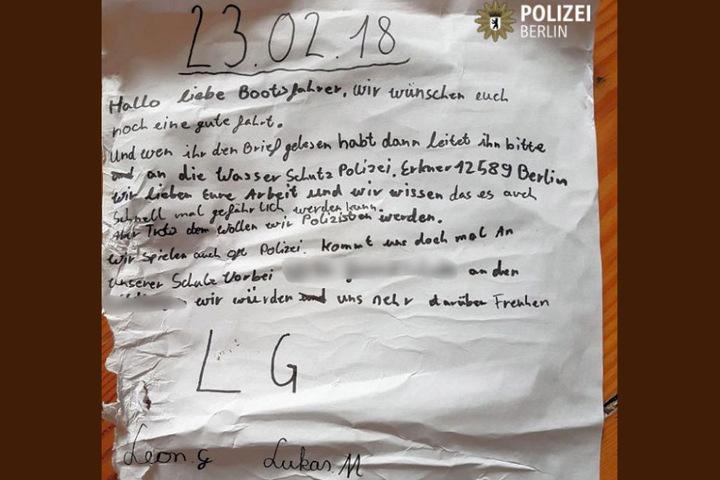 Die Schüler Leon und Lukas wollen unbedingt Polizisten werden, also haben sie kurzerhand einen Brief verfasst.