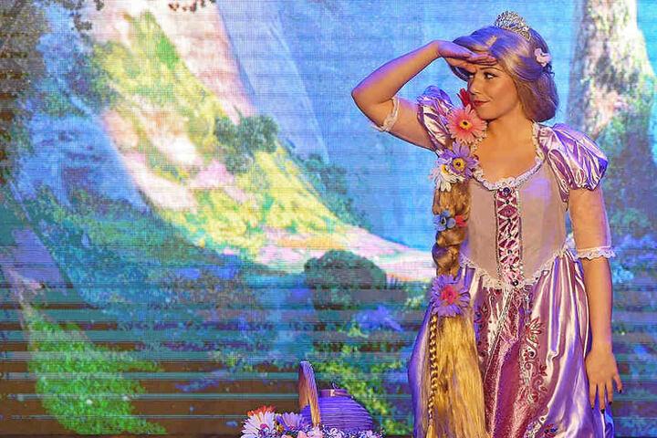 In Las Vegas hat sich Lisa die großen Shows angeschaut - jetzt steht sie selbst auf der Bühne.