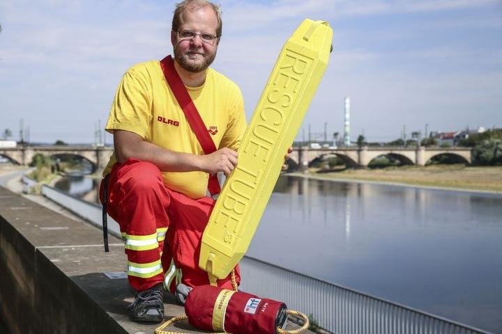 Auch Klaas Krüger (28) und seine Kollegen der DLRG Dresden sind mit dabei und zeigen, was ihre Arbeit ausmacht.
