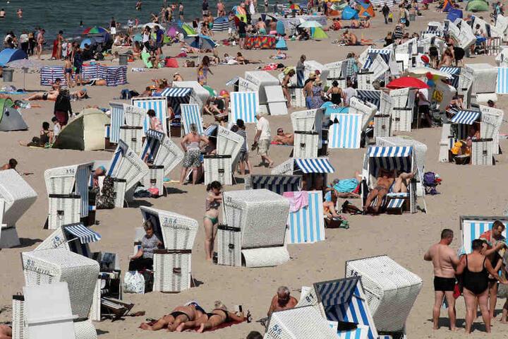 Der Warnemünder Strand ist ein beliebtes Ausflugsziel.