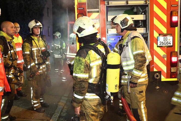 Nächtlicher Einsatz für die Berufsfeuerwehren Löbtau und Altstadt, sowie die Freiwillige Feuerwehr Kaitz.