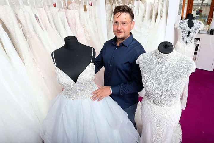 René Georgi (43) weiß, welches Brautkleid zu einer Frau am besten passt.