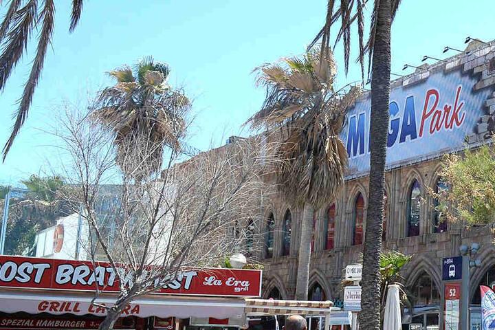 Die berühmt berüchtigte Diskothek auf Mallorca verliert nach der Schließung wohl auch die Hälfte der Belegschaft.