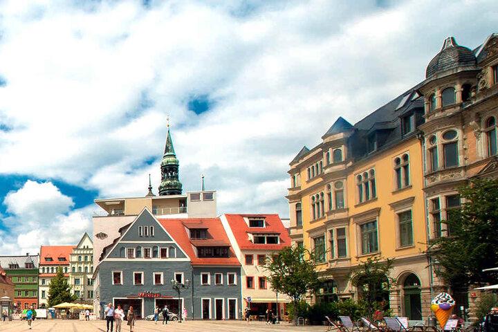 Der Zwickauer Hauptmarkt an einem malerischen Sommertag im Jahr 2018.