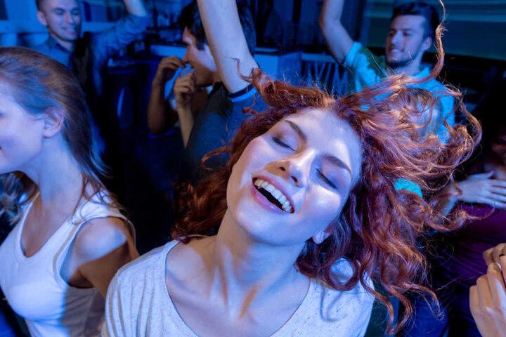 Tanzen zur Musik der 90er: Das geht am Samstagabend in der Weberei.