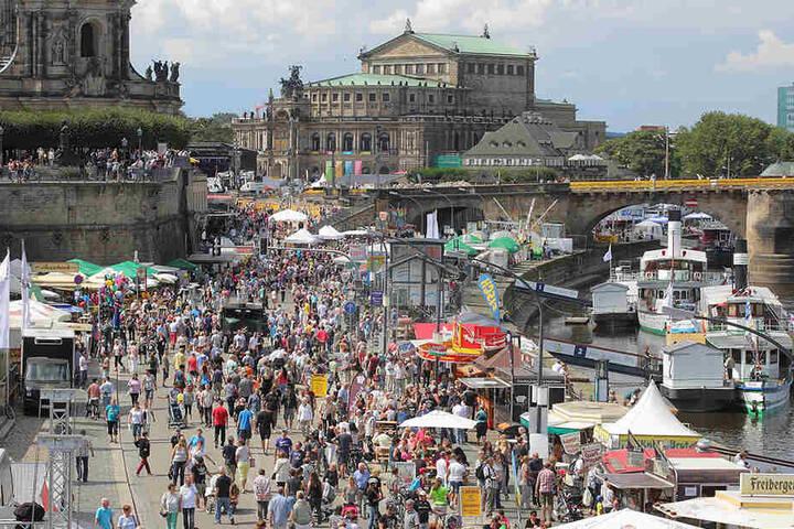 Gefeiert wird bis Sonntagabend in der Dresdner Altstadt.