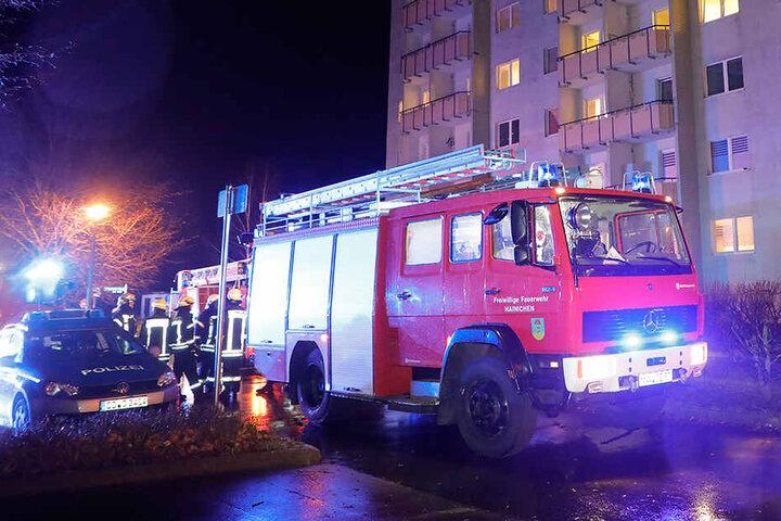 Beim Eintreffen der Feuerwehr stand die Wohnung bereits in Vollbrand.