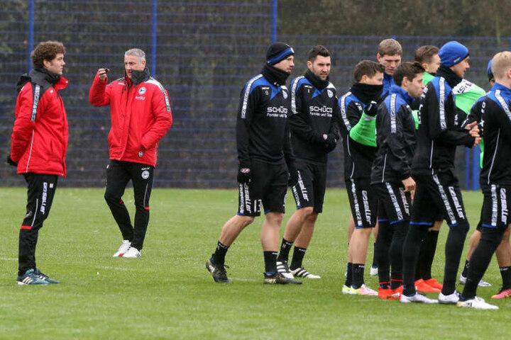 Die Mannschaft wird jetzt von Kramny trainiert.