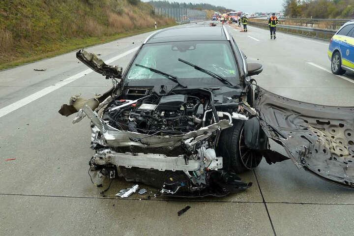 Der Mercedes Fahrer gab an, dass er vor dem Crash geschnitten wurde.