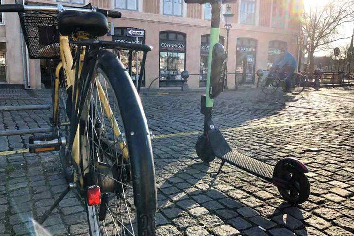 In Kopenhagen sind Tretroller auch auf Gehwegen erlaubt.
