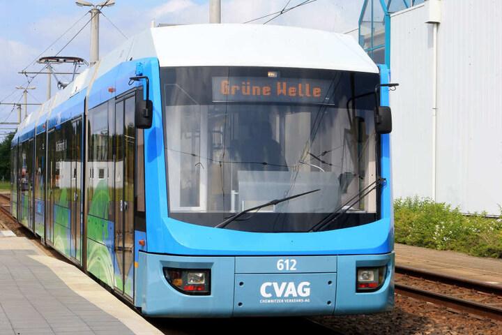 """Die """"Grüne Welle Bahn"""" rollt nur noch mit sauberem Strom durch Chemnitz."""