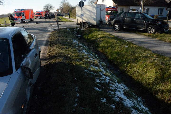 Die Polizei sperrte die Straße für rund zwei Stunden.