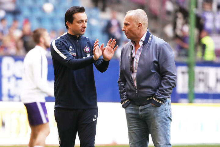 FCE-Boss Helge Leonhardt (r.) versucht, die Wünsche von Trainer Daniel Meyer zu erfüllen.