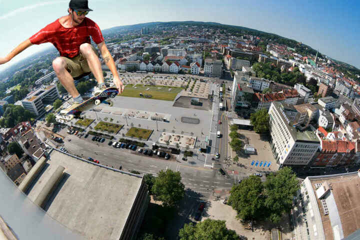 """Lufthohe Sprünge: Am Samstag geht's an der Skate-Anlage auf dem Kesselbrink beim """"Skateboard Vert Contest"""" so richtig rund."""