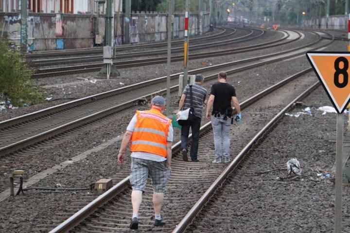 Ermittler suchen nach Spuren am Tatort.
