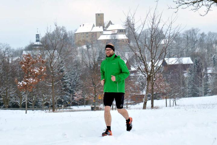 Auch bei Schnee: Für das Marathon-Ziel läuft Lukas Roth (36) soviel Zeit und  Meniskus hergeben.