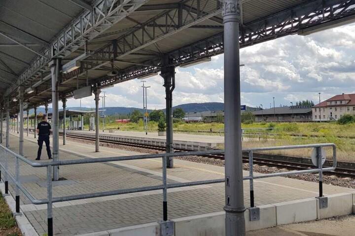 Seit 13.50 Uhr durften die Fahrgäste zurück auf den Bahnhof.