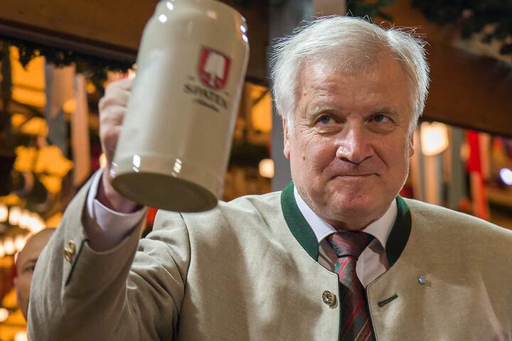 Der bayerische Ministerpräsident Horst Seehofer (CSU) sorgt für mächtig Stimmung im Unions-Lager.