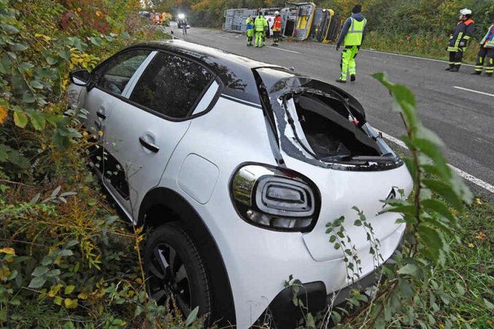 Die Neuwagen haben einiges an Schaden abbekommen.