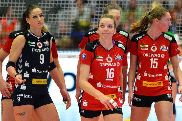 Betretene Mienen bei den DSC-Volleyballerinnen: Die 1:3-Heimpleite gegen Münster war nicht eingeplant.