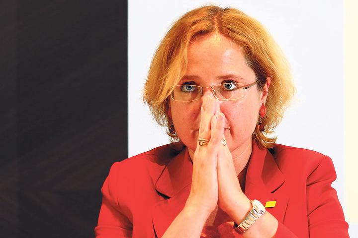 Die Chefin der Dresden Marketing Gesellschaft, Bettina Bunge, lobt die  Feierlichkeiten und ärgert sich über die Hass-Pöbler.