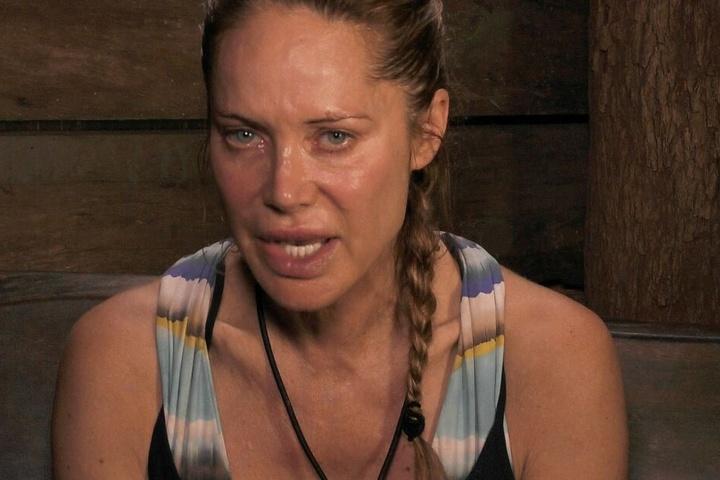 Doreen Dietel stand mit einem VIELLEICHT zur Auswahl für den Auszug... Es nagen im Dschungeltelefon Zweifel in ihr.