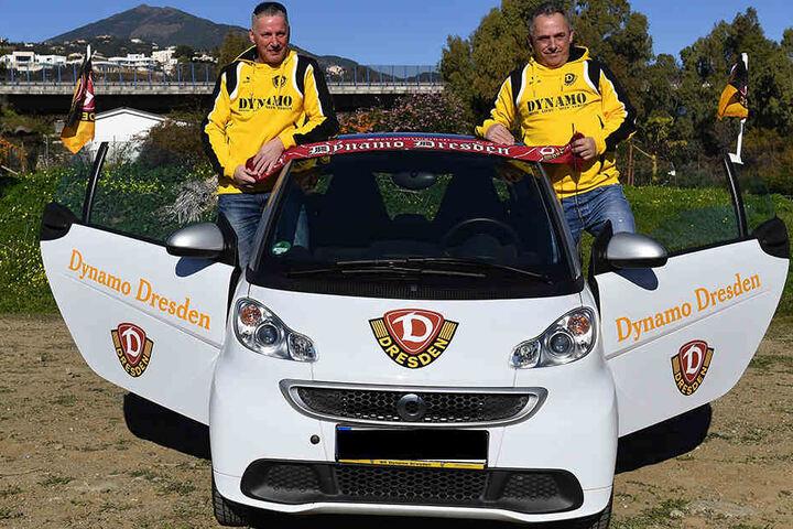 Fernando (54) und Norbert (48) Hayn kamen aus dem Ruhrgebiet mit dem Auto nach Spanien.