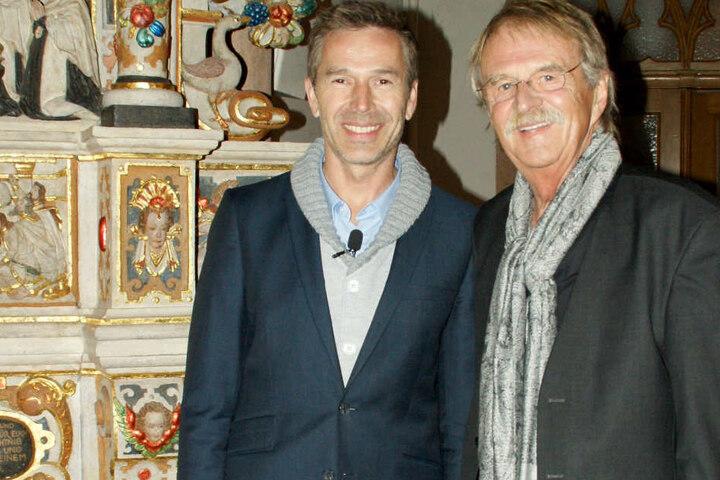 ZDF-Moderator Dirk Steffens (mit dem Vorsitzenden der Carlowitz-Gesellschaft, Dieter Füsslein) bekam den Nachhaltigkeitspreis 2016.