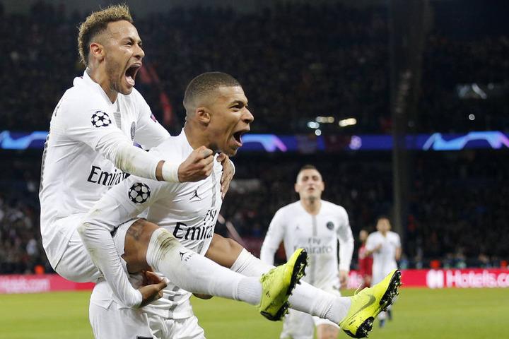 Neymar (26, l.) und Kylian Mbappe (19) sind die beiden größten Stars von Paris St. Germain.