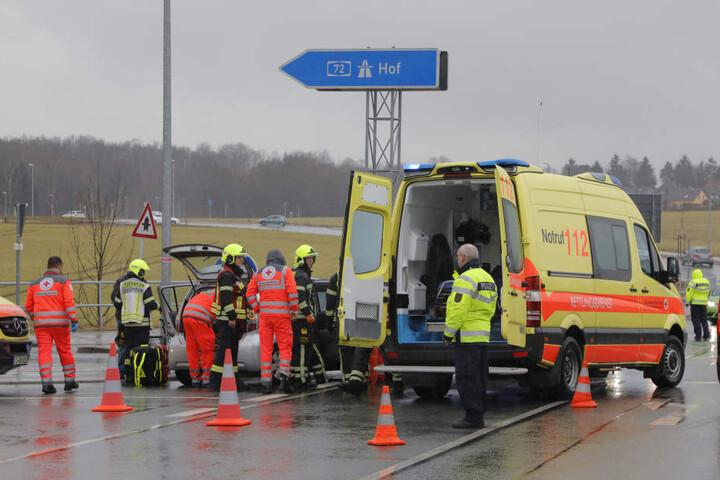 Zwei Verletzte gab es bei dem Unfall an der Anschlussstelle zur A72.