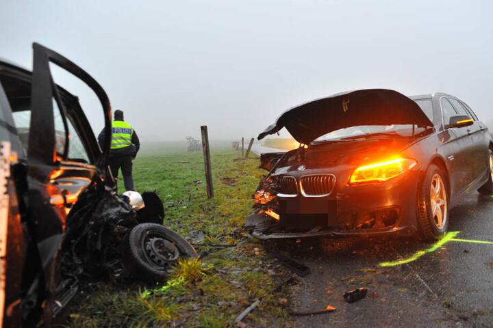 Der Fahrer des BMW konnte dem Nissan nicht mehr ausweichen und krachte in dessen rechte Fahrzeugfront.
