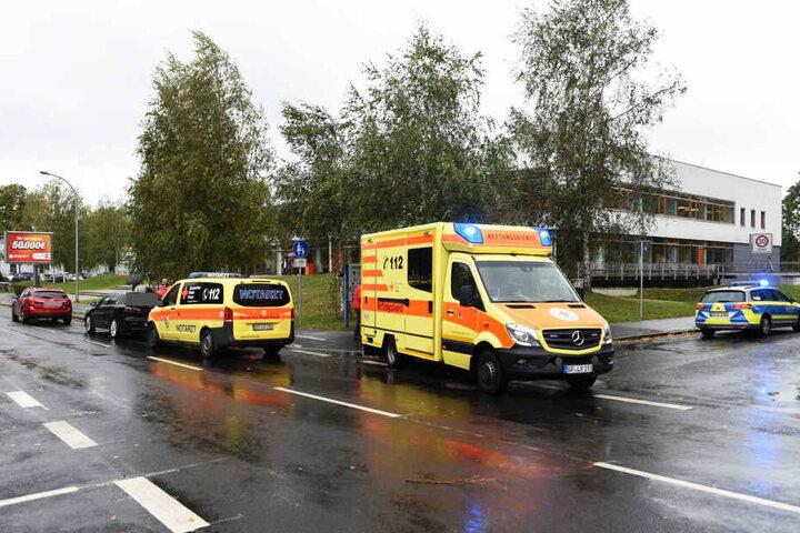 Rettungsdienst und Polizei eilten schnell zur Unfallstelle.