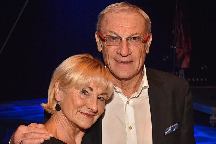 Auch Dynamo-Idol Ede Geyer mit Ehefrau Angelika kamen am Donnerstag zur Premiere.