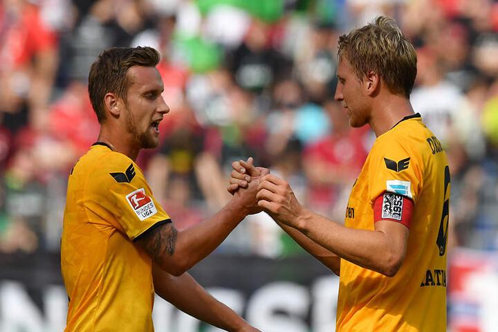 Manuel Konrad (l.) soll am Freitag seinen gelb-gesperrten Kapitän Marco Hartmann vertreten.