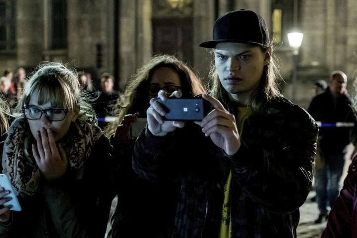 """Wilson Gonzalez Ochsenknecht (27, r.) spielt im """"Tatort"""" einen Prankster, der  alles ins Netz stellt, was ihm vor die Handykamera kommt."""