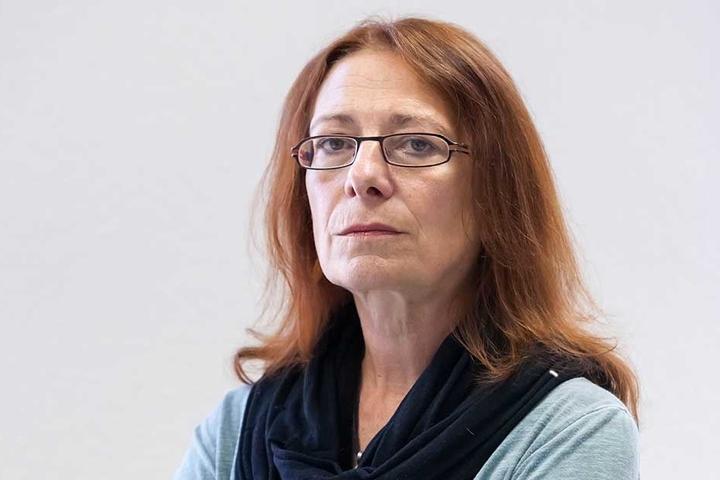 """Für Gleichstellungsbeauftragte Pia Hamann (56) sind dunkle, unbeleuchtete Wege """"Angsträume""""."""