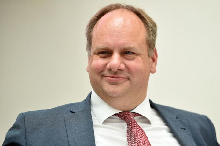 Dirk Hilbert kämpft um das Prestigeobjekt.