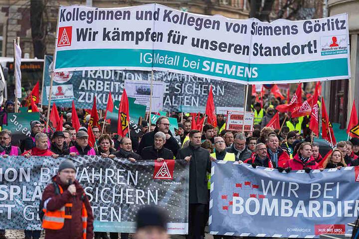 Gemeinsam stark: Vor einer Woche demonstrierten die Beschäftigten von Siemens und Bombardier zusammen in Görlitz.