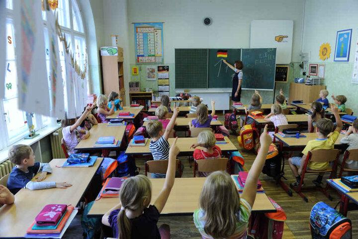 Der Unterricht an sächsischen Schulen sorgt seit Monaten für Dauerzoff zwischen Eltern,Lehrern und Politikern.