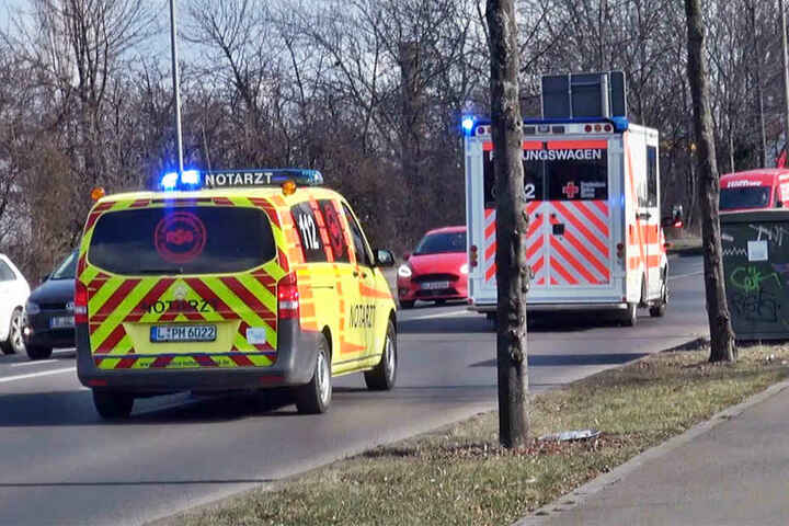 Bei dem Unfall wurde die Fußgängerin lebensgefährlich verletzt.
