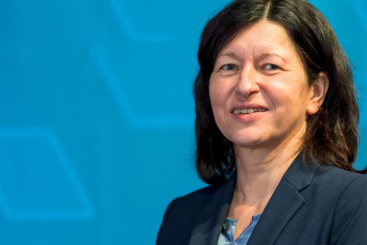 Verena Di Pasquale, stellvertretende Vorsitzende des DGB, fordert mehr Gleichberechtigung ein.