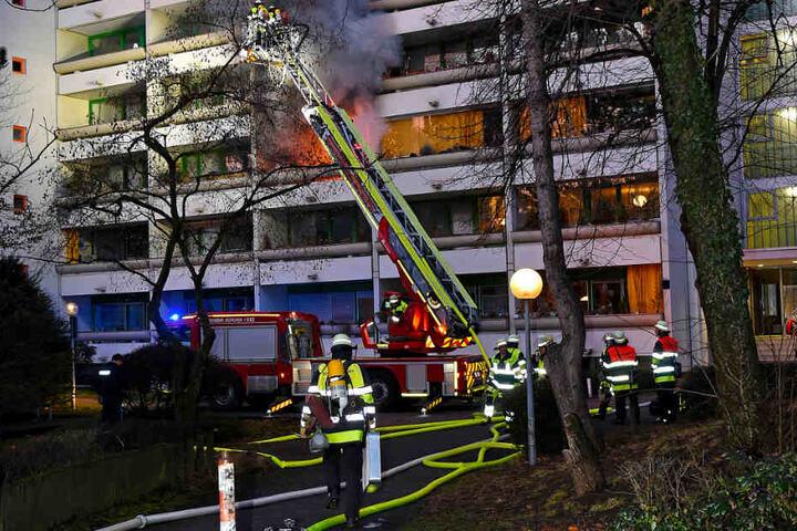 Die Feuerwehr München bei den Löscharbeiten.