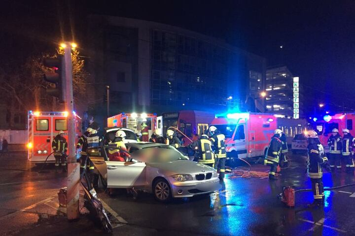 Der Unfall ereignete sich an der Kreuzung Pipinstraße/Neuköllner Straße.