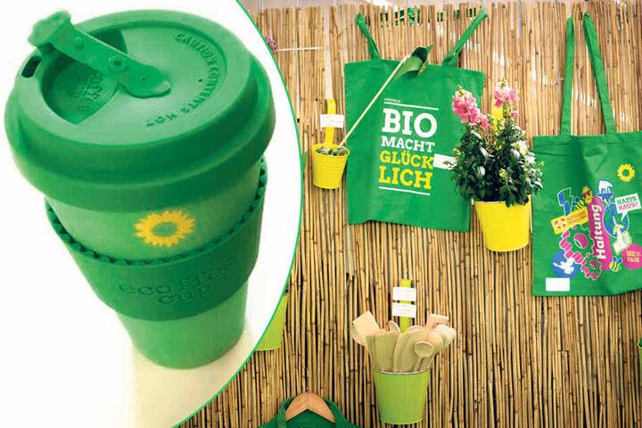 Neben Stoffbeuteln verteilen die Grünen diesen umweltfreundlichen Mehrweg-Kaffeebecher.
