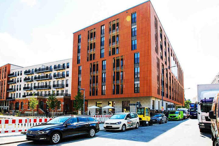 Aus Postplatz-Sicht: So sieht der Bau mit den 246 Wohnungen heute aus. Nach rechts der Blick in die Annenstraße. Nach links geht die Marienstraße, wo auch der Promenadenring entsteht.